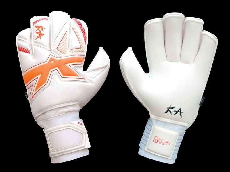 TCG+-Evolution-Protector-Goalkeeper-Gloves-1024x767-1